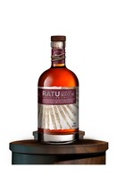 RATU 8 YEAR OLD SIGNATURE BLEND RUM 35% 700ML